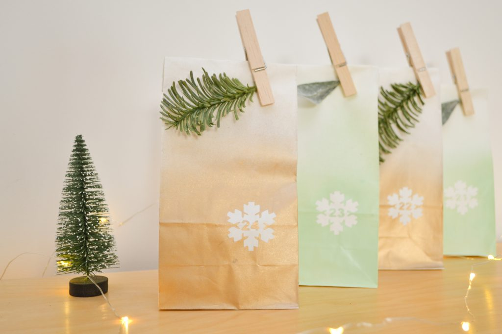 DIY Wall Hanging Adventskalender mit Tütchen Detailansicht